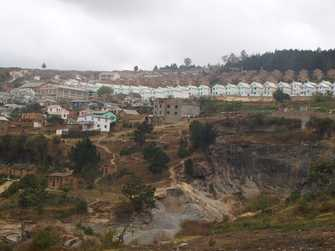 Regards sur Madagascar:Tonga soa Akamasoa Tananamadio: bienvenue dans le village propre des bons amis.