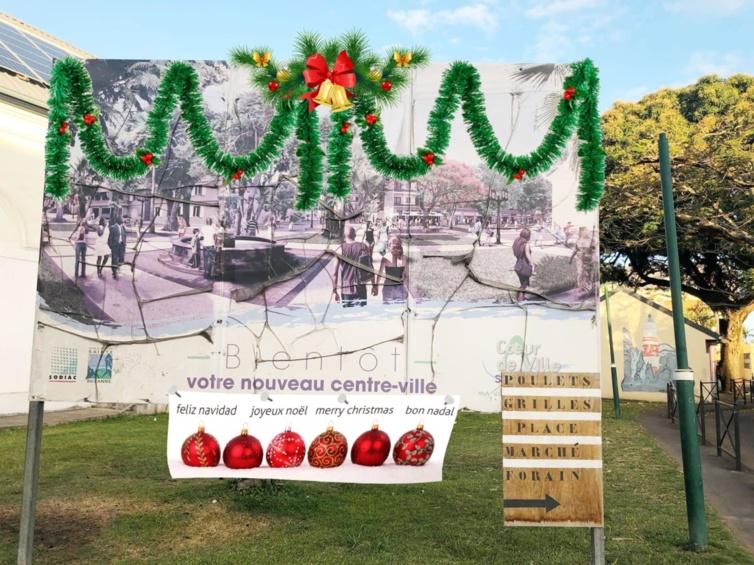 Piqué au vif, le Maire a fait enlever ces panneaux qui ne feront plus rêver les habitants de Sainte- Suzanne .
