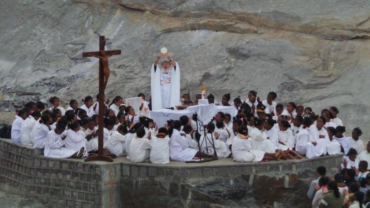 Aline Murin Hoarau : Ascension: sur les traces du Père Pédro