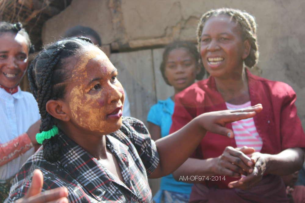 Aline Murin Hoarau :  Nos voisines de Ranohira
