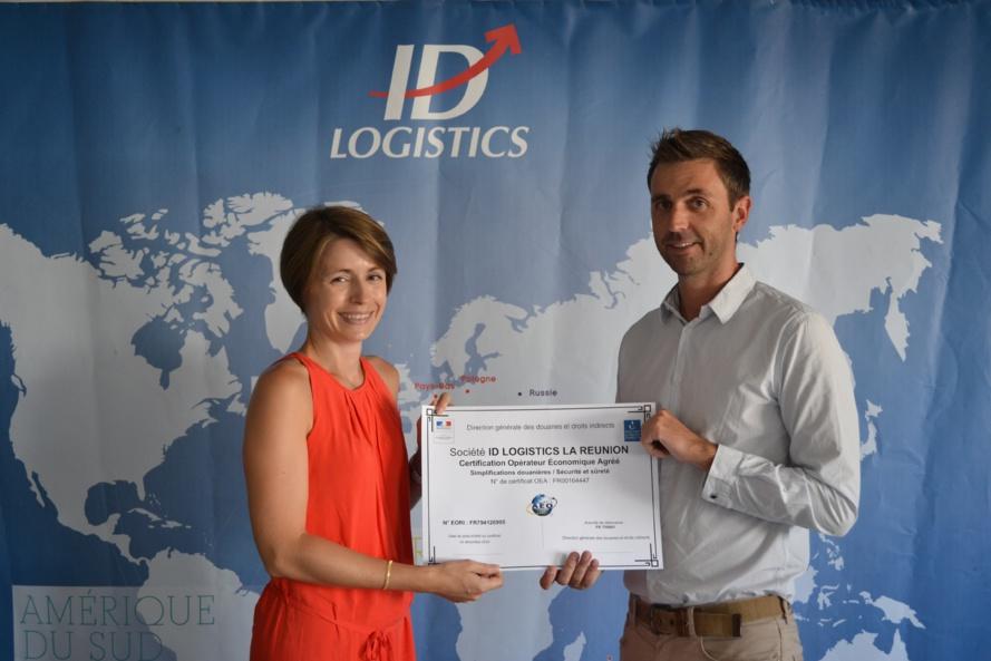Julie Bonneau, Chef du Pôle économique des douanes de La Réunion et Jean-Francois Noel directeur d'IDLogistics Réunion