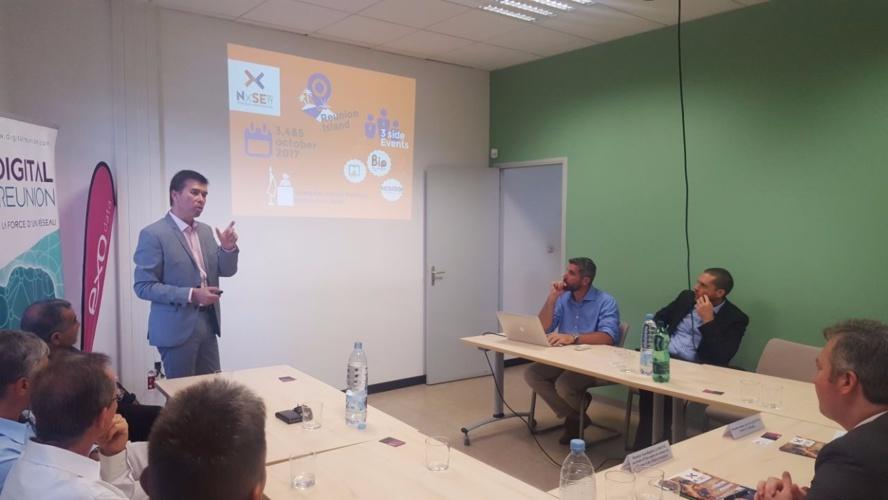 Philippe Anraud présente la filière numérique réunionnaise au Secrétaire d'Etat