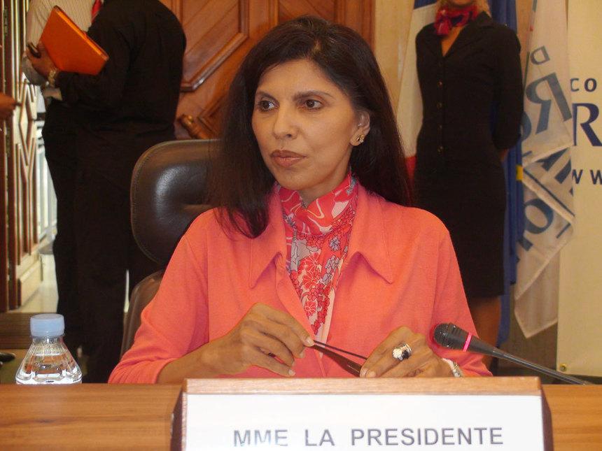 Nassimah Dindar, élue présidente du Conseil général
