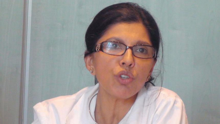 Nassimah Dindar, l'équilibriste