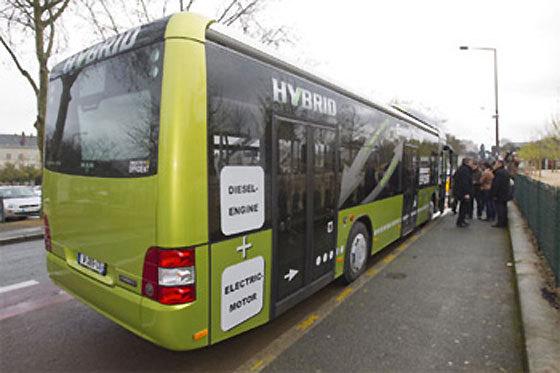 Un bus hybride, entre 400 et500.000 €