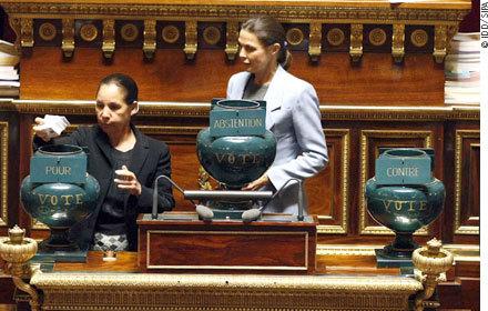 Sénatoriales, le quatrième siège àlaDroite ou au PCR