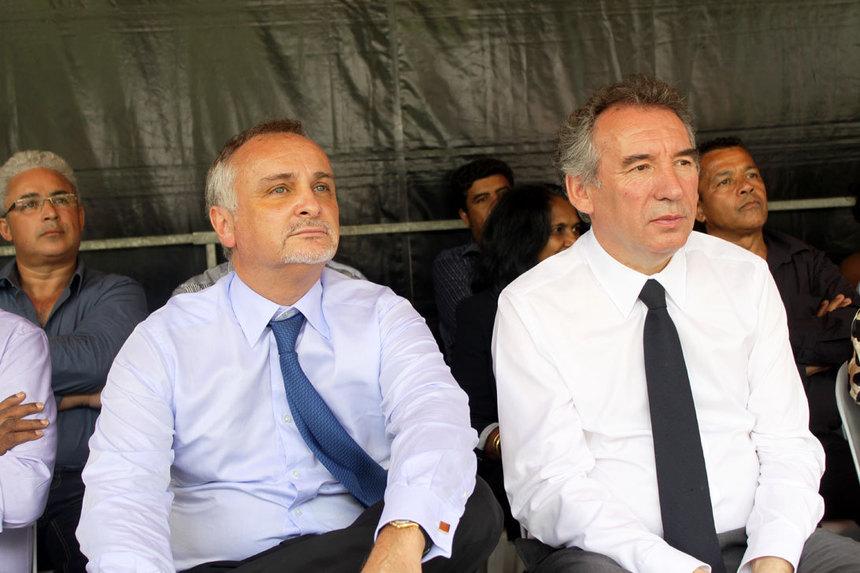 """Bayrou cogne Borloo : """"le vrai centre c'est pas lui, c'est moi !"""""""