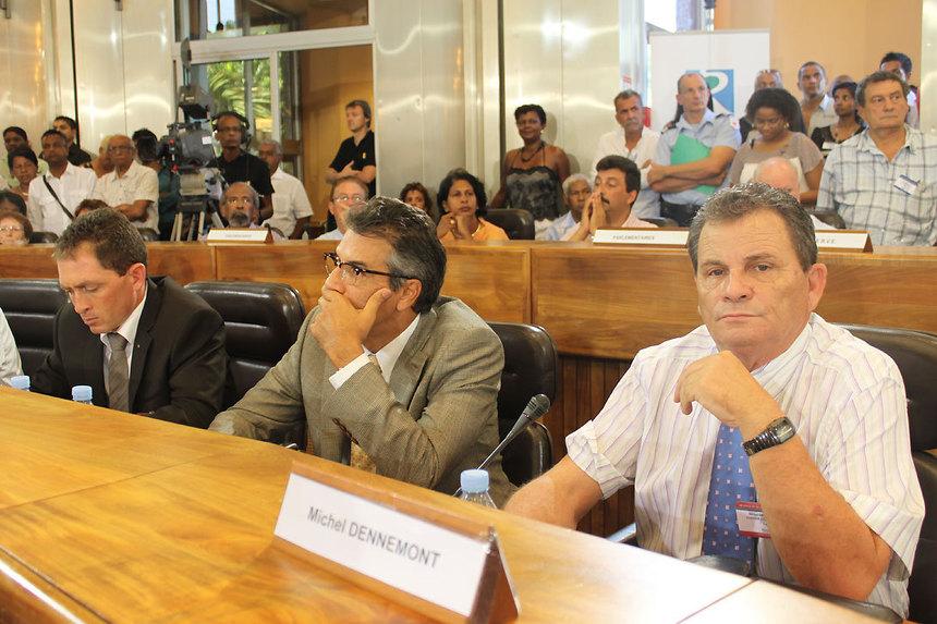 """Sénatoriales : les """"Modéré""""entre Vergès et Virapoullé"""