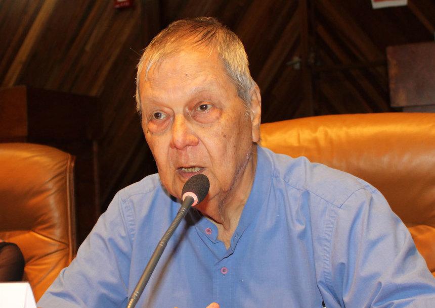 Témoignages : Paul Vergès présidera la première Assemblée du Sénat qui sortira des urnes...