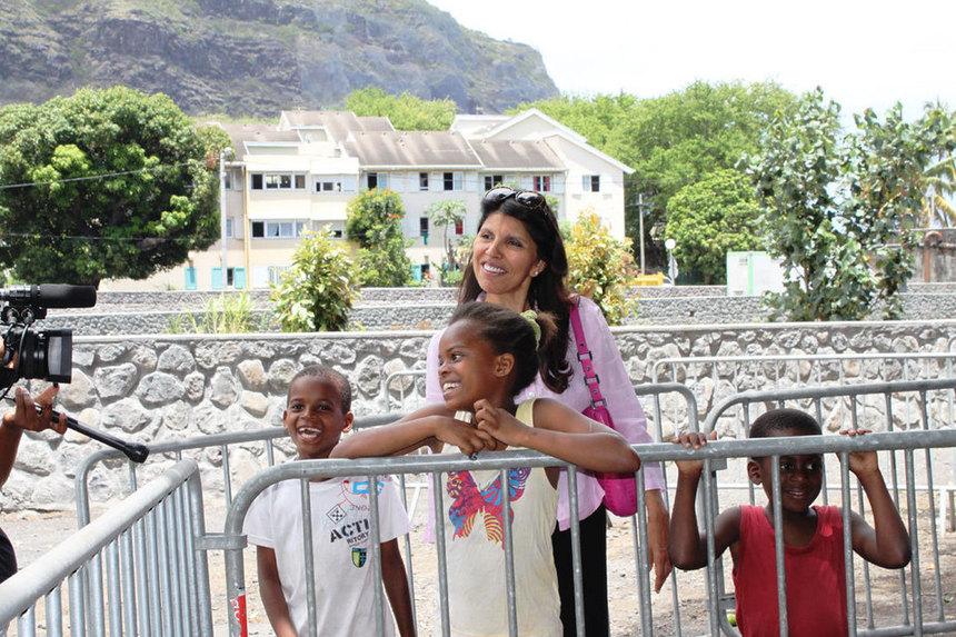 """Nassimah Dindar : """"C'est vous, les jeunes, qui construirez et ferez vivre votre quartier de demain !"""""""