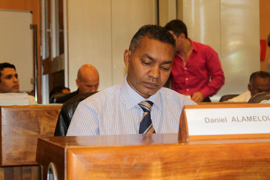 """Daniel Alamélou : """"On a fait un affront à la population et à Ste-Suzanne"""""""