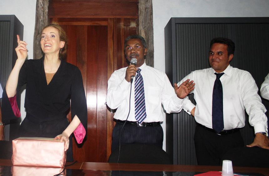 René-Paul Victoria déjà en campagne, Didier Robert en patron de la Droite