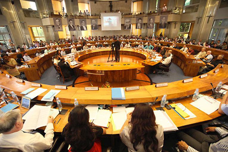 Département et Région : le débat et la démocratie, victimes des stratégies de communication