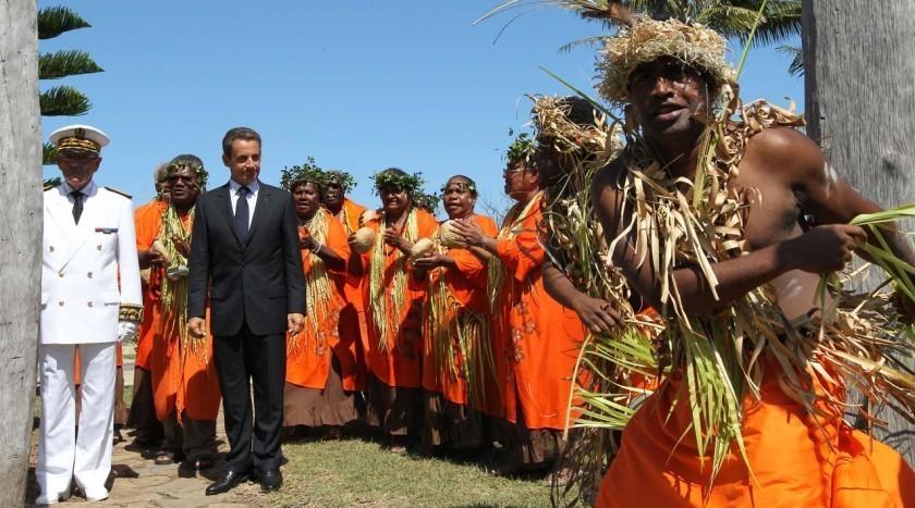 """Sarkozy qui sera à La Réunion """"dans le premier semestre 2012"""", veut """"plus d'autonomie pour les ultra-marins"""""""
