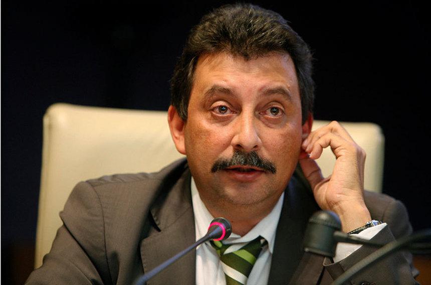"""Patrick Lebreton : """"Sarkozy, aider les plus riches et frapper les plus pauvres"""""""