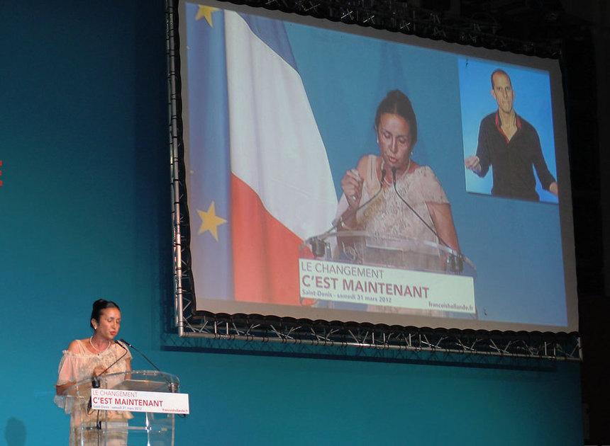 Quand Huguette Bello parle delajeunesse, elle s'adresse aussi àPaul Vergès
