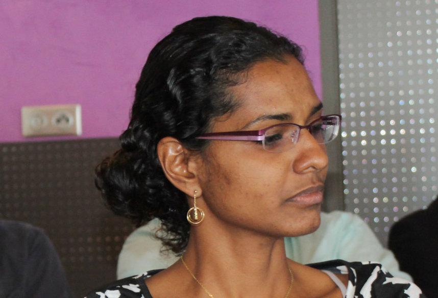 """Sandra Sinimalé : """"Un individu, un mandat, Huguette Bello va-t-elle enfin respecter cette règle qu'elle défend"""""""