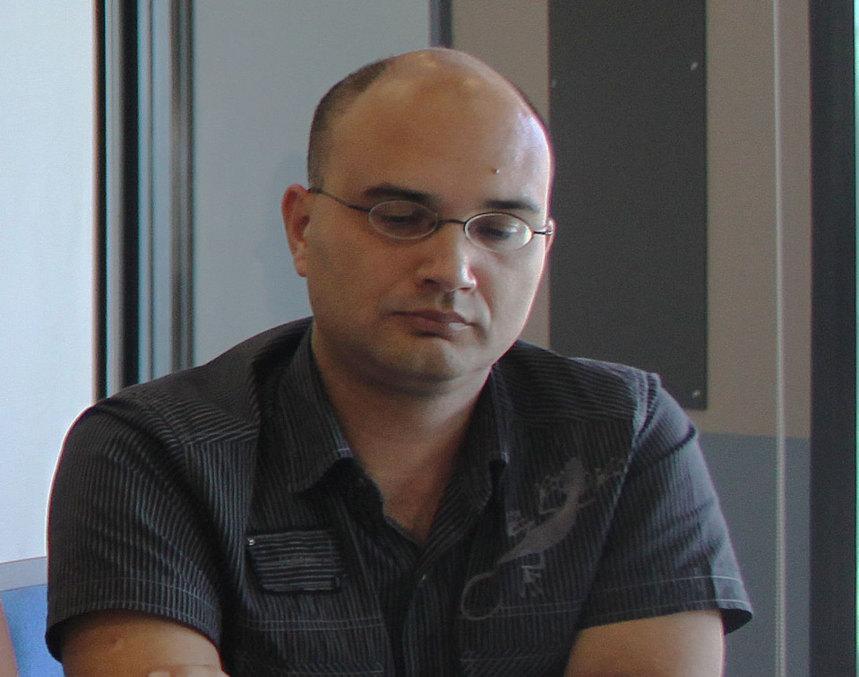 """Vincent Defaud : """"Le gouvernement socialiste s'en prend aux salaires des enseignants !"""""""