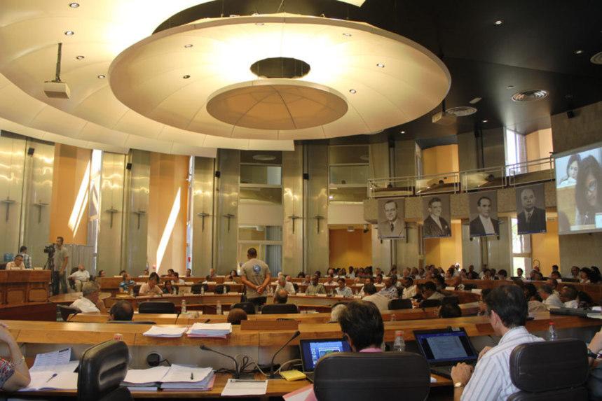 Acte III de la décentralisation : le Conseil général vidé de ses compétences