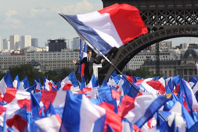 """Nicolas Sarkozy : """"Je pense à vous"""""""