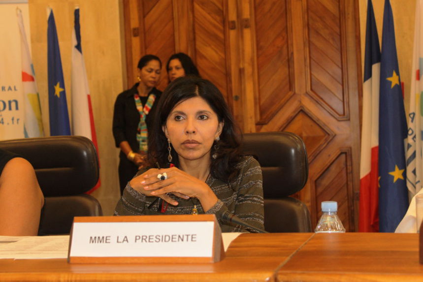 """Nassimah Dindar : """"Fini le Conseil général, place au conseil départemental"""""""