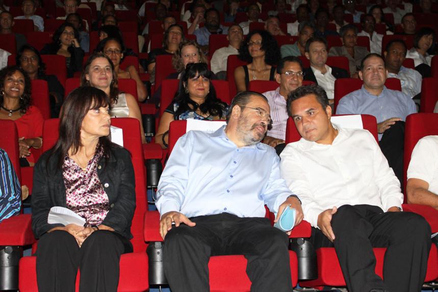 Bello/vergès et Robert/maires de La Réunion en confiance, ils ne peuvent pas vieillir ensemble