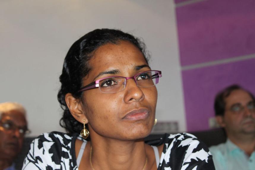 """Sandra Sinimalé """"dénonce des manquements graves dans la gestion des écoles à St-Paul"""" durant Felleng"""