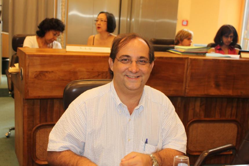 """Stéphane Fouassin (Objectif Réunion) : """"Les mesures proposées ne sont pas suffisantes"""""""