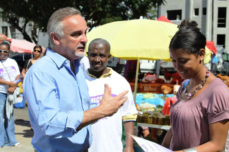 Michel Lagourgue sur le marché du Chaudron