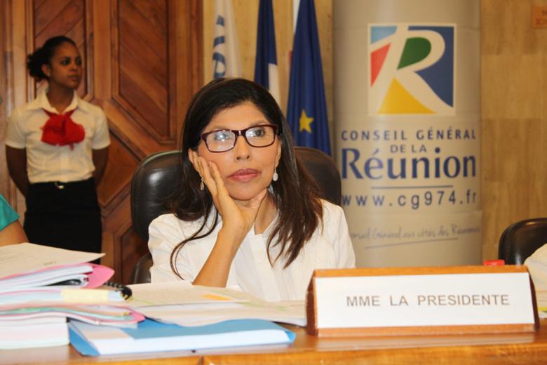 Nassimah Dindar, seule patronne de la Droite, si elle gagne Saint-Denis, mais…