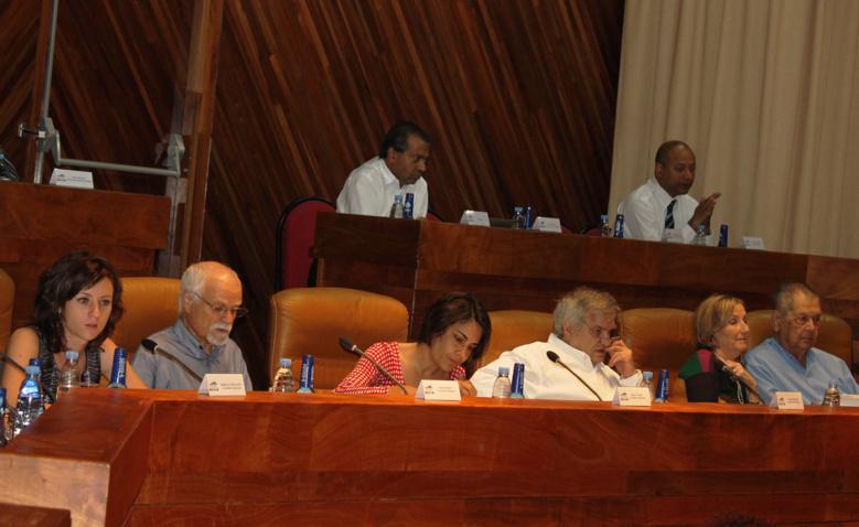 Orientations sur la transition énergétique: la Région Réunion à contre courant