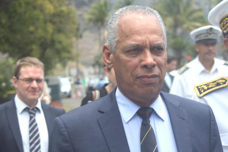 Scandale ! Le ministre Lurel en campagne électorale pour les socialistes locaux aux frais du contribuable