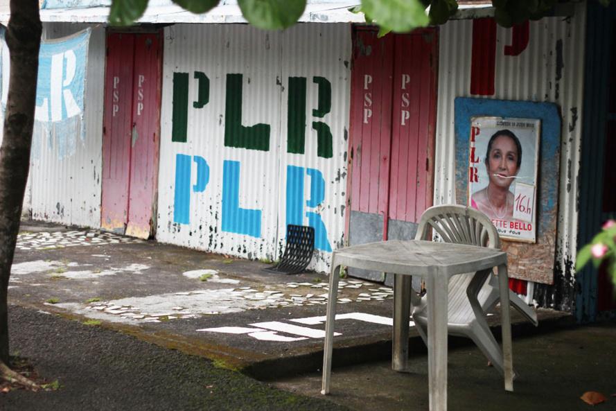 Le PLR envisage une alliance avec l'UMP à Saint-Benoit : Les masques  tombent !