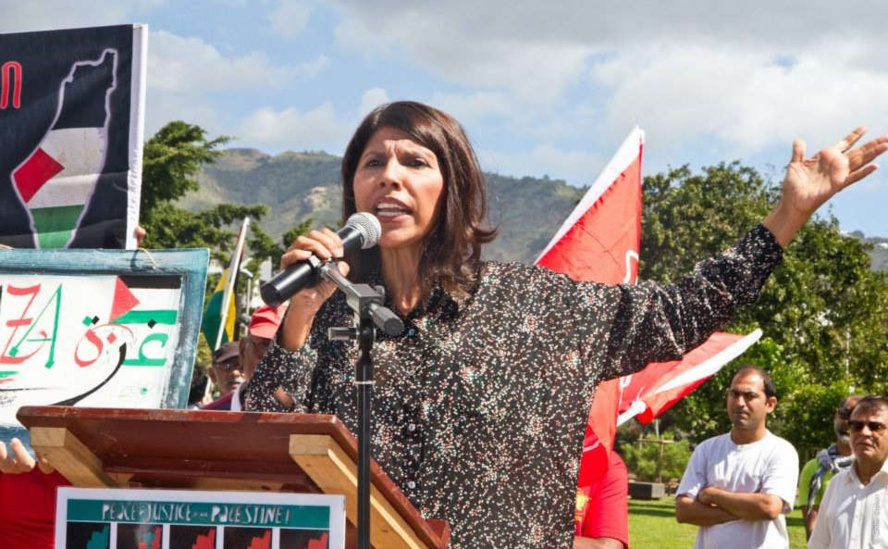 Nassimah Dindar bouchonne la Montagne !