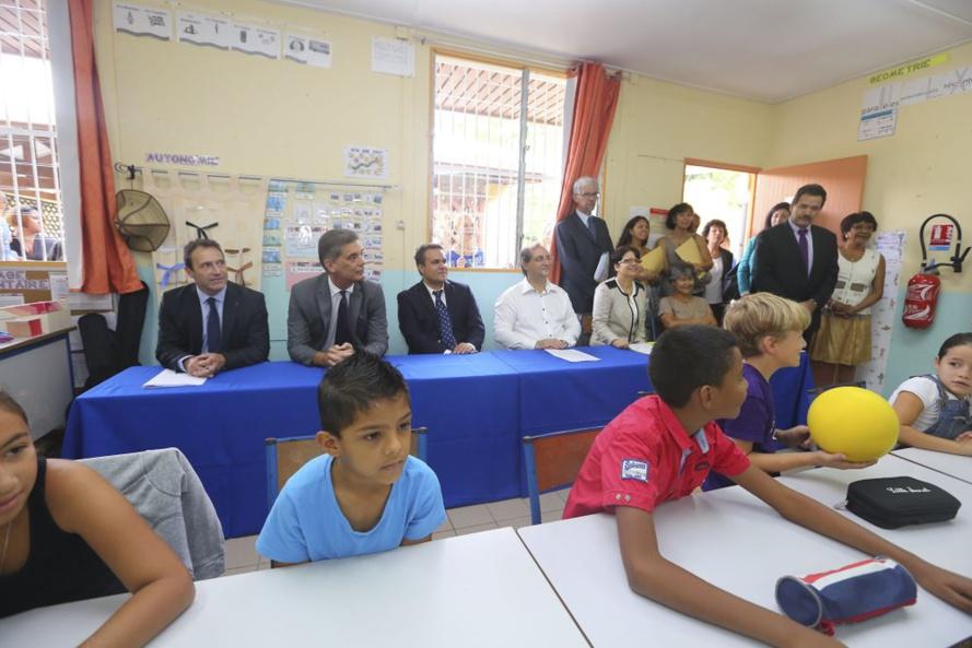 Didier ROBERT, Sénateur Président de la Région Réunion 2015 : Agir pour plus d'égalité – 96 écoles-pilotes 4500 élèves