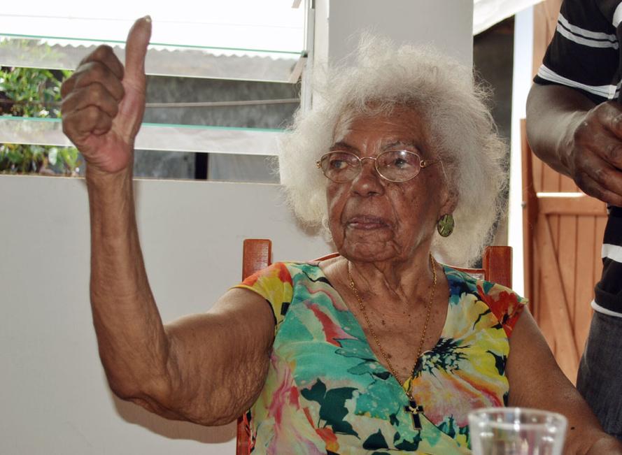 Alice Marivan, une nouvelle centenaire pétillante à Saint-Leu !
