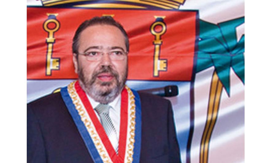 Michel Fontaine reste le Maire de SAint-Pierre
