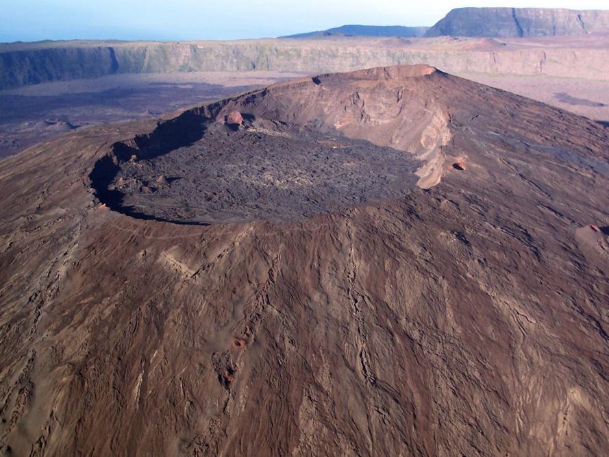 Éruption en cours au piton de la Fournaise : dispositif d'accès