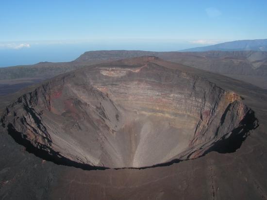 Activité volcanique au piton de la fournaise : Passage en phase sauvegarde
