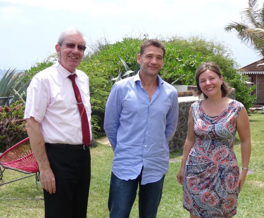 De gauche à droite, Alain Iglicki à la direction Prévention de la CGSS, Christophe Rallu, directeur de SAE, et Svetlana Giamberini, formatrice chez  DPG Training