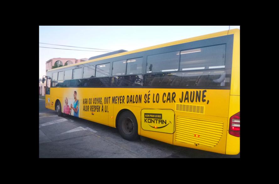 DEBOUT DANS LE BUS : SCANDALEUX