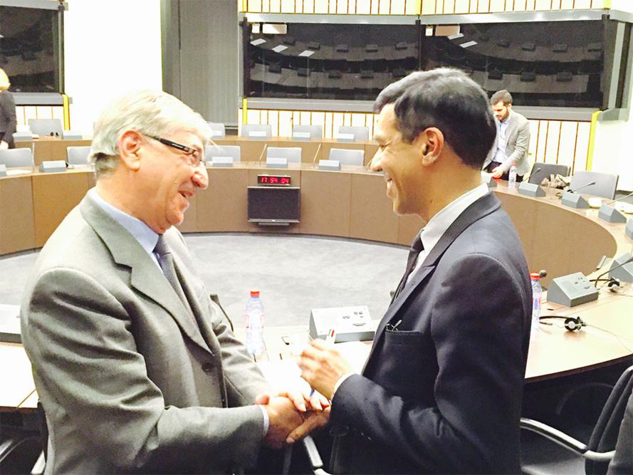 Karmenu Vella, Commissaire européen à l'environnement, aux affaires maritimes et à la pêche; Younous Omarjee, député européen