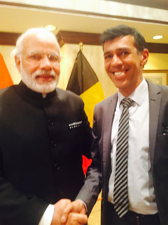 Après Paul Vergès et Indira Gandhi au tour de Younous Omarjee de rencontrer Narendra Modi