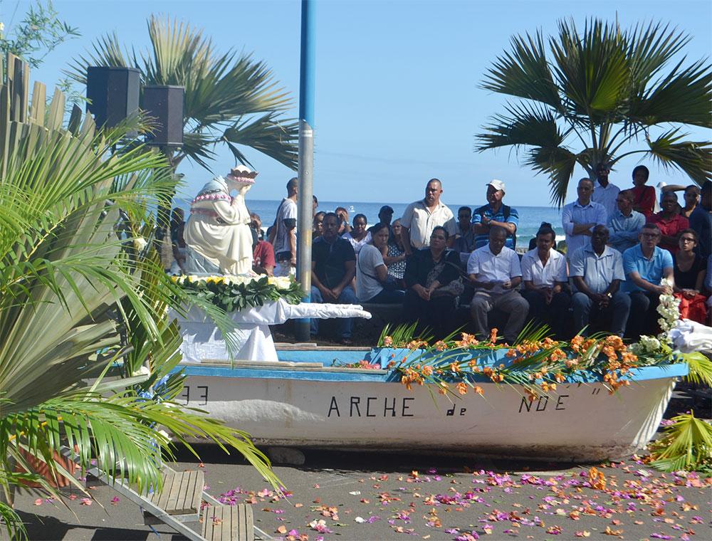 Thierry ROBERT : Vibrant hommage aux pêcheurs sur le Port de Saint-Leu