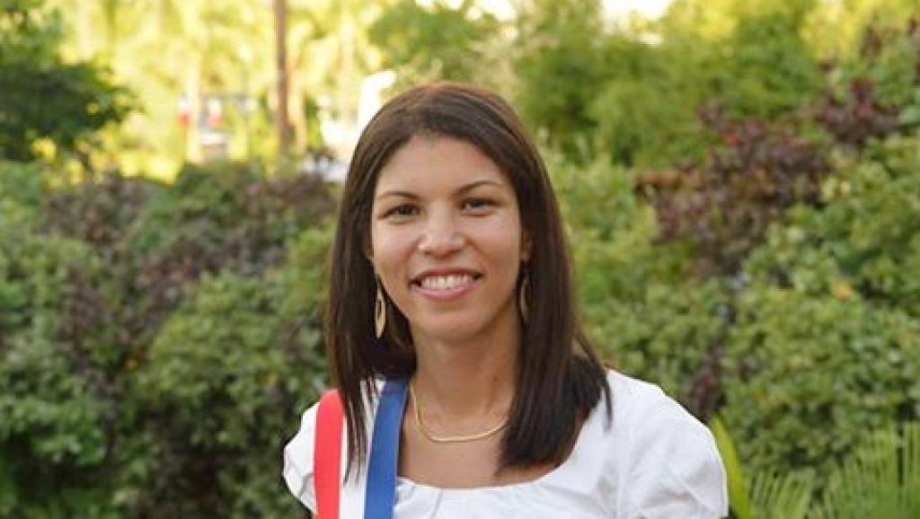 Vanessa MIRANVILLE : Surf, requin, protection, réserve marine