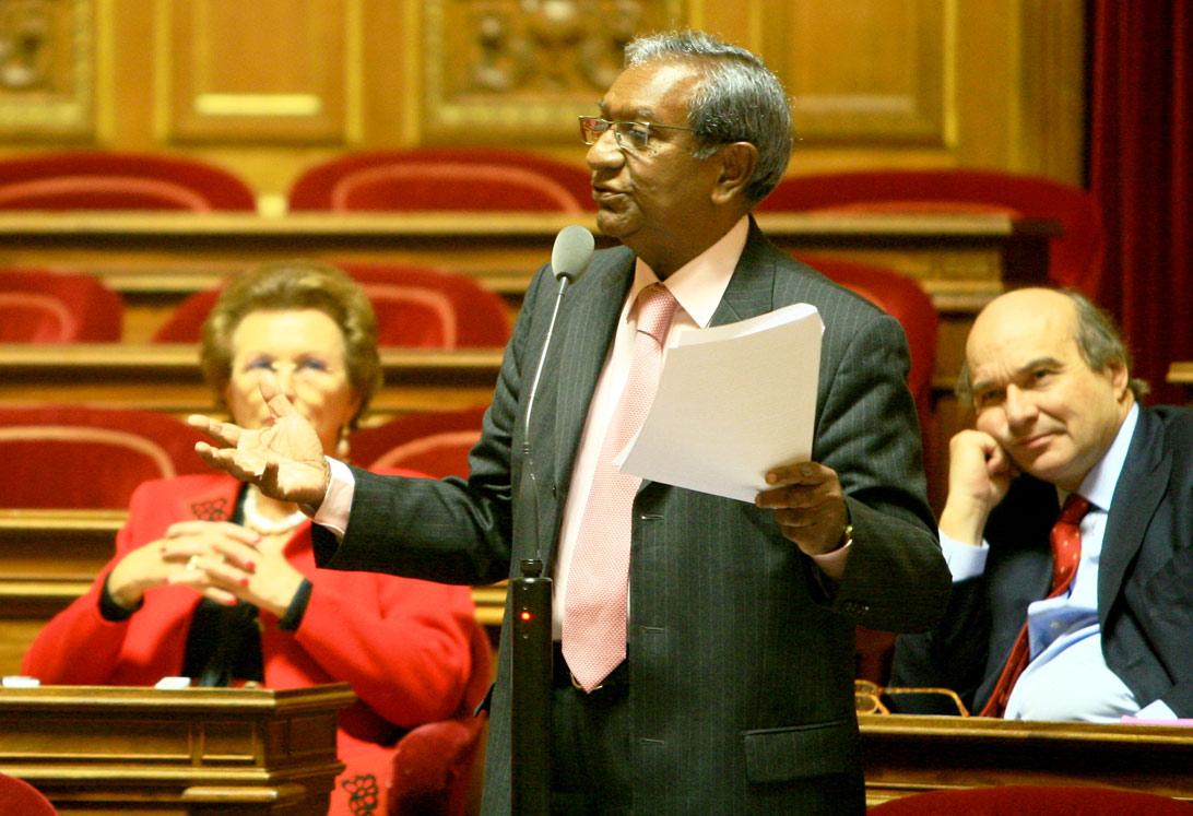 Jean-Paul Virapoullé aura l'investiture de l'UMP, il ne veut pas de cadeau pour Noël