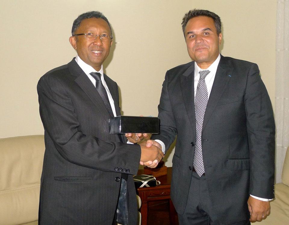 """Didier Robert : """"Renforcer et stabiliser ensemble une coopération économique  au service des populations"""""""