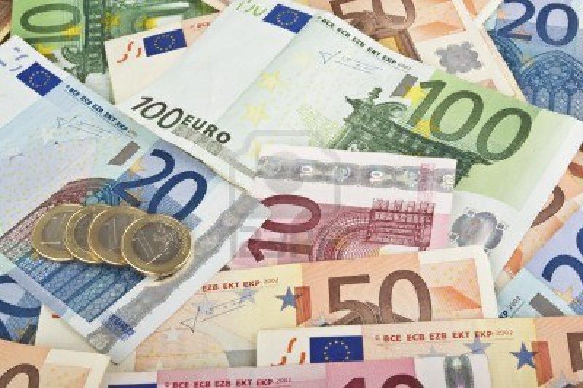 Faner de l'argent et des promesses pendant les élections, pourquoi et comment ça marche…