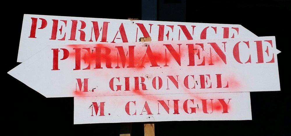 Bombage à Sainte-Suzanne, à qui profite le crime ?