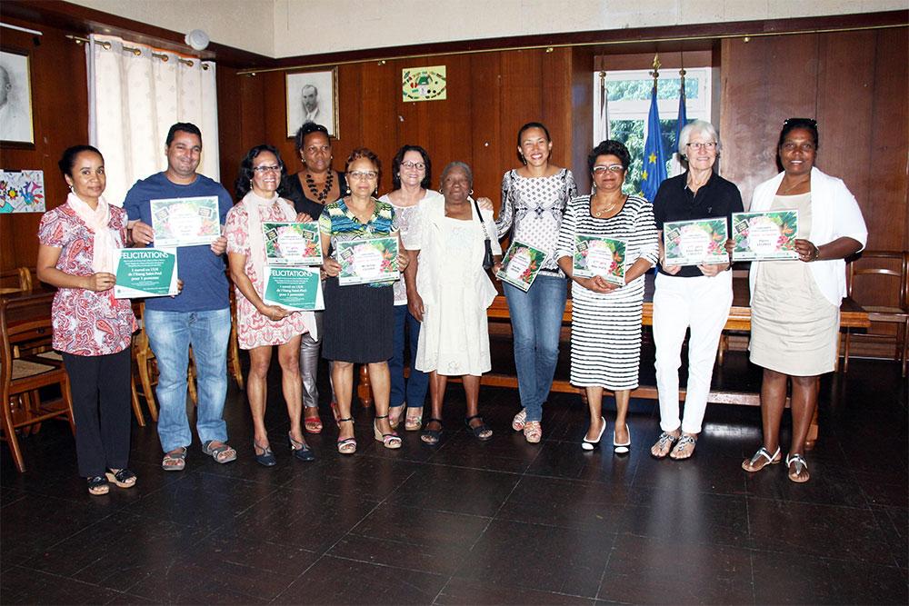 Saint-Paul : Josiane Courtois et Daniel Aure gagnants du concours « Cours et Balcons fleuris »